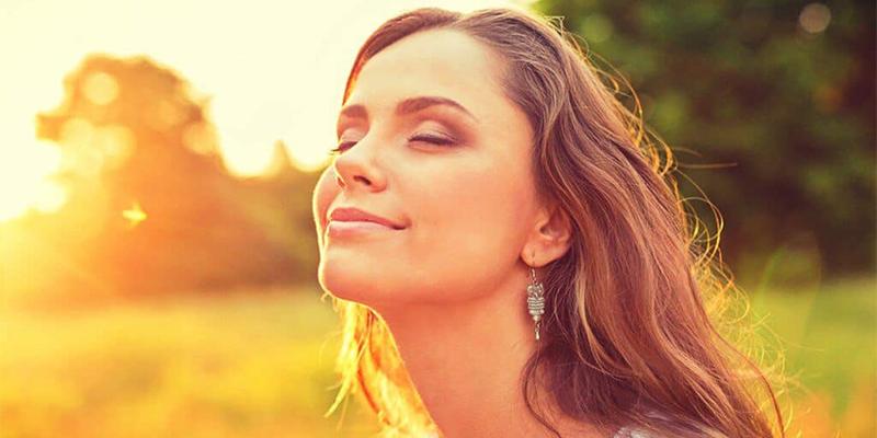 ¿Sabes qué es y cómo activar la glándula de la felicidad?