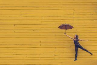 Felicidad: los 8 pilares del yoga que te ayudarán a ser feliz