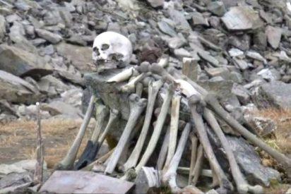 Esqueletos en el Himalaya: el enigma del lago repleto de huesos humanos