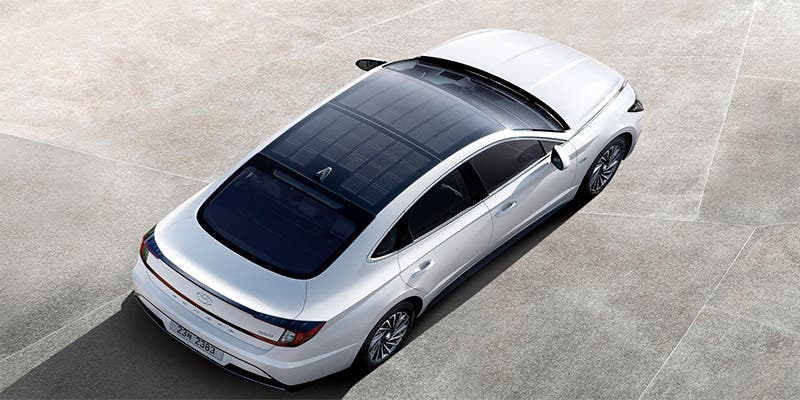 El primer modelo de Hyundai con paneles solares es un híbrido