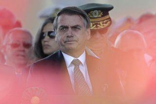 Jair Bolsonaro moviliza el Ejército de Brasil para combatir los incendios de la Amazonia