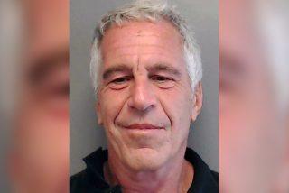 El pervertido multimillonario Jeffrey Epstein aparece ahorcado en su celda