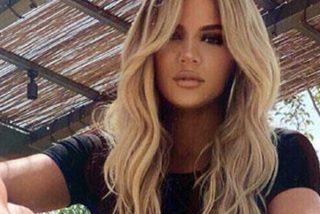 Khloé Kardashian se calza un bikini que no puede con 'tanta carne'