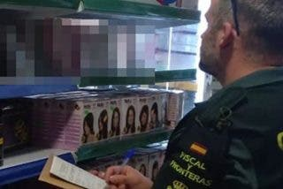 La Guardia Civil pilla un arsenal de vídeos porno en varios bazares chinos