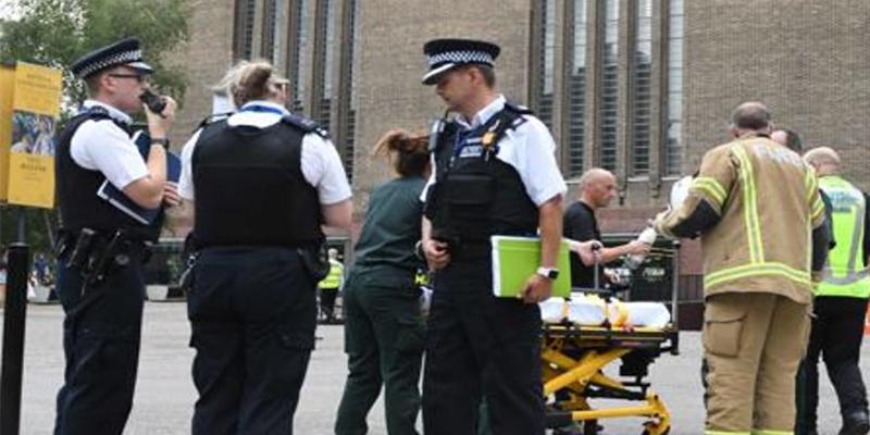 La Policía inglesa ha detenido a un adolescente en Londres por tirar a un niño desde el décimo piso del museo Tate Modern