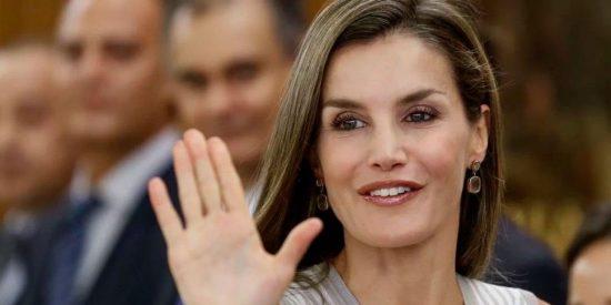 """¿Sabes qué conocida actriz de Hollywood se declara como una """"gran fan"""" de la reina Letizia?"""