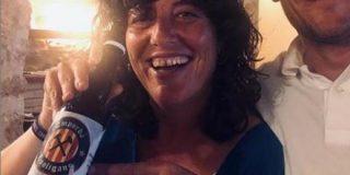 Teresa Jordá, consellera de Agricultura de la Generalitat de Cataluña promociona la cerveza 'Fuck Spain'