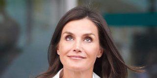 ¿Patinó la Reina Letizia con el 'look' elegido para ir a ver al rey Juan Carlos al hospital?
