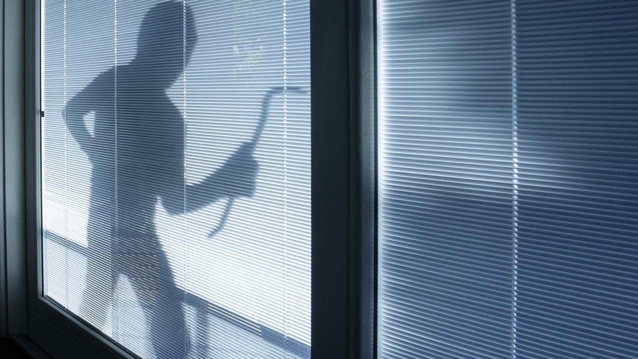 La Policía nos da la guía contra los robos de verano en viviendas: Ganzúa, 'resbalón' y 'bumping'
