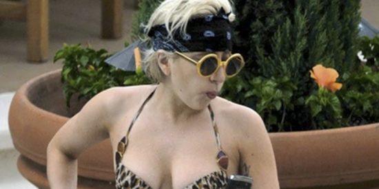 Lady Gaga se viste de 'fierecilla' en al piscina