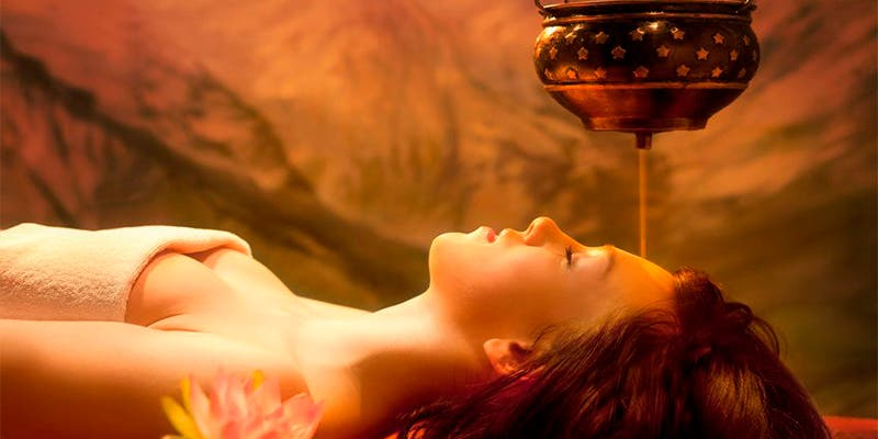 Esto es lo que el masaje ayurvédico puede hacer por ti