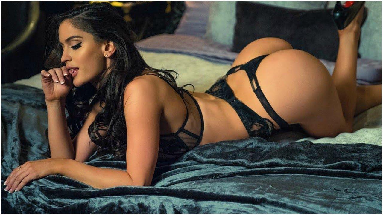 Natalia Barulich, la ex de Maluma, sale desnuda de una bañera en Grecia