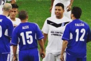 A Neymar le gusta alimentar rumores y publica esta vieja foto con Zidane