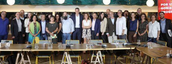 Entreculturas le exige a Pedro Sánchez que pase 'de las palabras a los hechos'