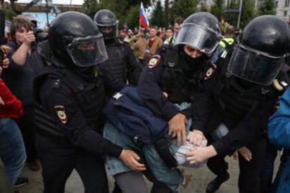 Represión comunista: Más de 600 detenidos en una protesta opositora en Moscú