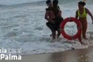 Una argentina rescata a un niño antes de morir ahogado en Mallorca