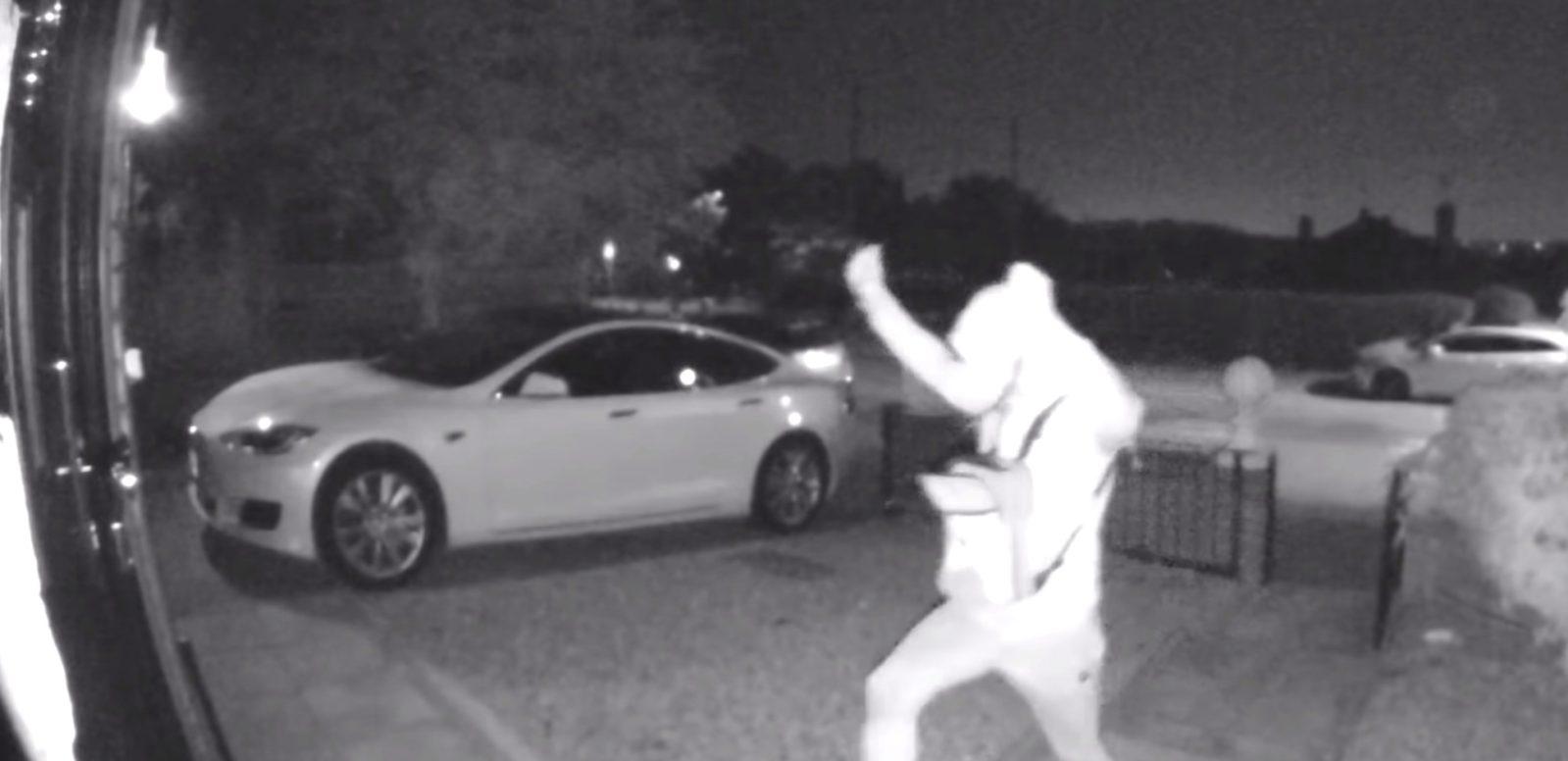 El truco de los cacos para para robar un Tesla de 100.000 euros en 30 segundos