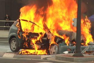 Un conductor de 46 años muere carbonizado tras un accidente de coche en Madrid