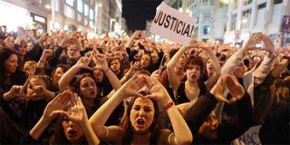 """La última 'caza de brujas' para destapar abusos sexuales sin pruebas se vuelve en contra de El País: """"A mí me acosó vuestra directora, ¿lo pensáis publicar?"""""""