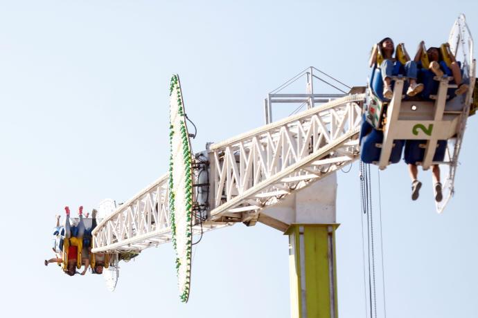 Espeluznante accidente en una atracción de feria en Castellón que deja en el aire a 5 personas