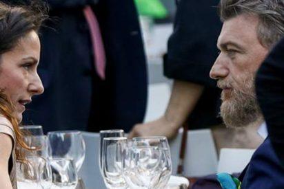 Pillan a Telma Ortiz, hermana de Letizia, 'comiéndole toda la boca' al ex marido de la violinista de The Corrs