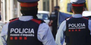 """Cataluña: abren una actuación de oficio por la """"agresión racista"""" de seis mossos"""