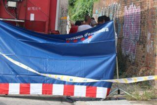 La misteriosa muerte de otra mujer en plena calle deja en jaque a la Barcelona de Ada Colau