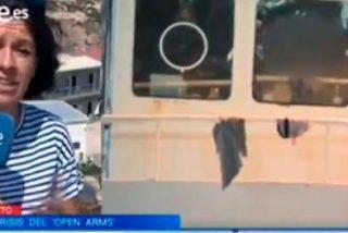 Una reportera de Televisión Española tiene que cortar un directo al picarle una avispa