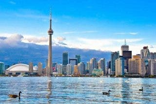 Canadá impone cuarentena obligatoria para viajeros en hoteles
