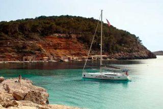 Todo lo que debes saber si vas a viajar en velero a Ibiza