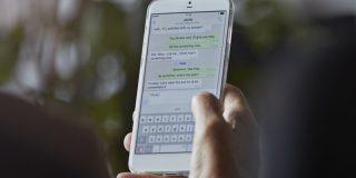 Apple corrige un grave fallo que permitía infectar sus dispositivos con el 'software' espía Pegasus