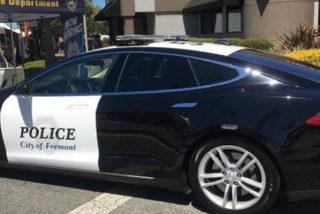 ¡Ridículo!: Este Tesla de la Policía se queda sin batería en una persecución