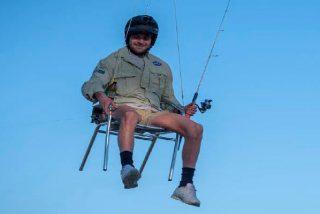 Australiano con recursos y mucha imaginación se dedica a pescar colgado en un dron