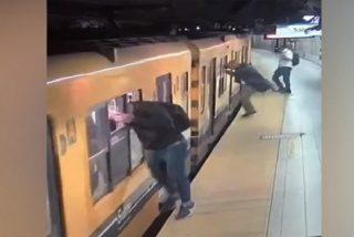 """Triple robo con el método denominado """"canguro"""" en el metro"""