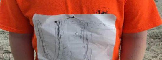 """Hacen """"Bullying"""" a un pobre niño que se dibuja la camiseta de su equipo a mano y acaba con un final épico"""