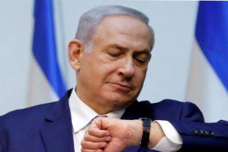 """Sirenas antiaéreas hacen """"salir por patas"""" al Primer Ministro israelí Netanyahu e interrumpir uno de sus mítines"""