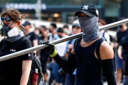 Los manifestantes hongkoneses se radicalizan y preparan proyectiles para atacar violentamente a la Policía opresora comunista