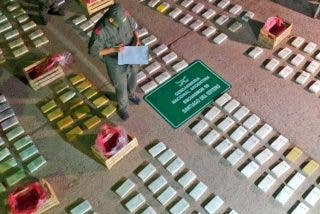 Narcoverduleros: esconden 408 kilos de cocaína en un camión de vegetales