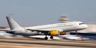 Desalojan urgentemente a los aterrorizados pasajeros de un avión en Barcelona por el humo que llenaba la cabina