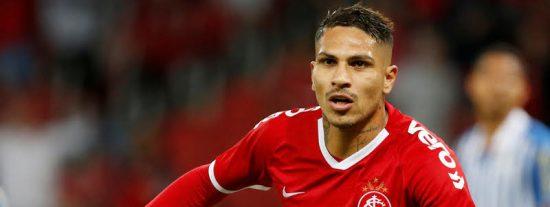 Un futbolista peruano obliga violentamente a un rival a que le regale su camiseta