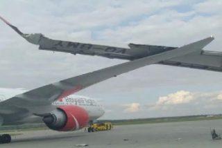 Terrible choque entre dos aviones en un aeropuerto de Moscú se salda sin heridos