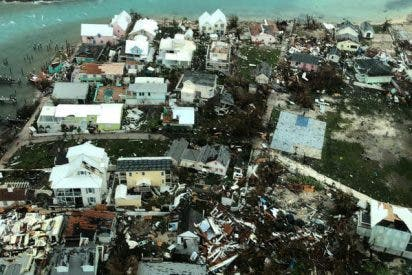 Bahamas queda totalmente devastada tras el paso del terrible huracán Dorian