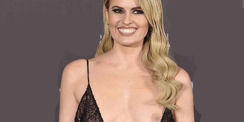 Adriana Abenia nos enseña su cu*o desde Ibiza, completamente desnuda