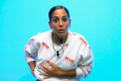 Anabel Pantoja se olvida que no lleva ropa interior y enseña sus 't***s' al Súper de 'GH VIP'