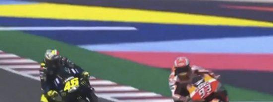 Así fue el tenso cruce entre Valentino Rossi y Marc Márquez en plena pista