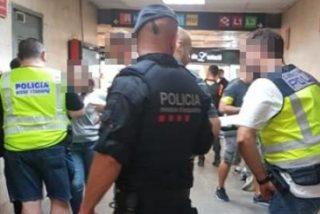 'Barcelona Ciudad sin Ley': Apuñalan a un menor en el cuello durante una pelea en el metro