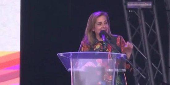 ¡Descachárrense de risa! El bochornoso discurso en inglés de la sociata presidenta de la Diputación de Pontevedra