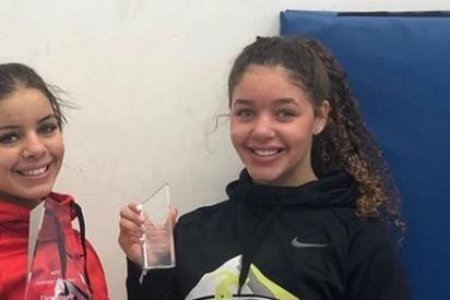 Descalifican a una nadadora de 17 años por mostrar 'más de la cuenta' el trasero