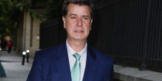 Cayetano Martínez de Irujo suspende la presentación de su libro e ingresa de urgencia en el hospital