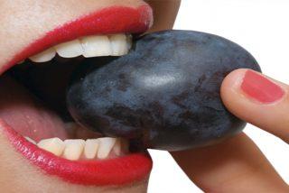 ¿Sabes por qué es tan importante comer ciruelas?